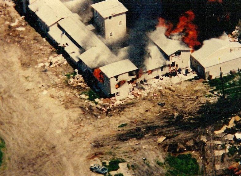 20-aniversario-de-la-masacre-de-waco